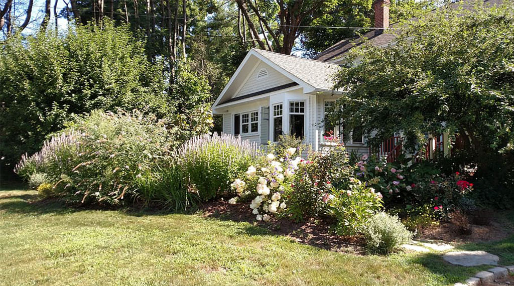 Creating Curb Appeal in the Front Yard
